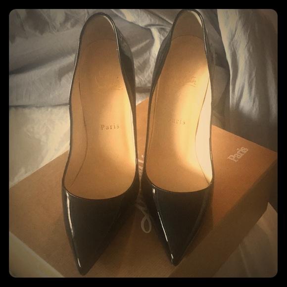 Louboutin's. So Kate 120 cm black. Size 39.5